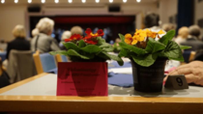 Beste Unterhaltung beim gut besuchten Valentinstag der Frauen Union